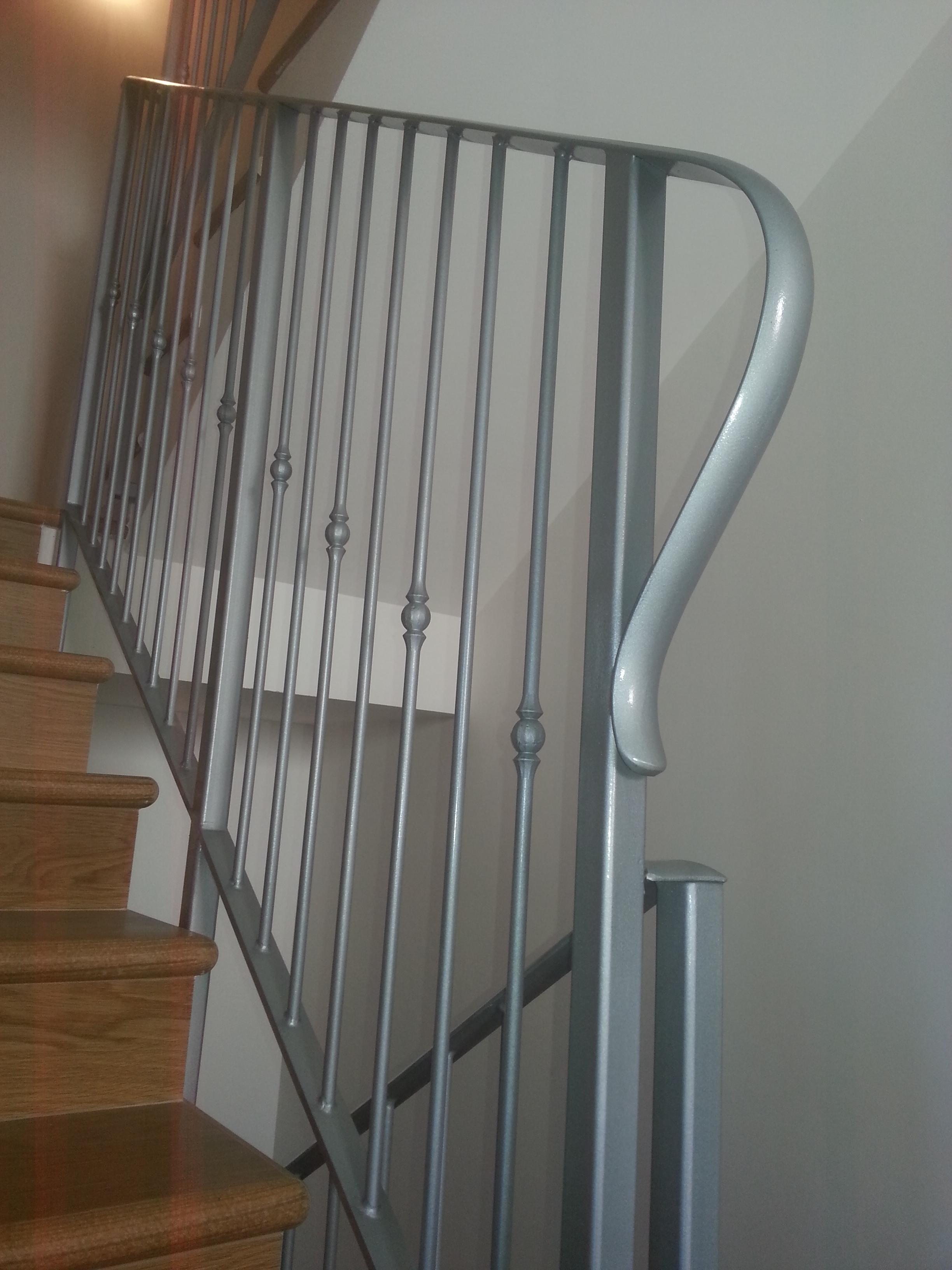 Ringhiere-per-scale-in-acciaio-bologna